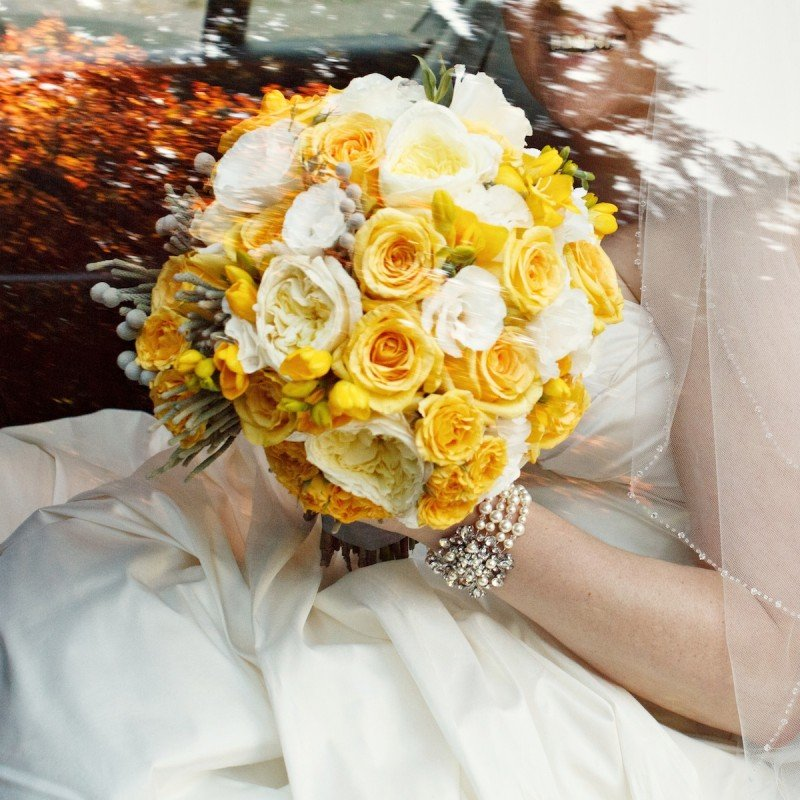Bridal Bouquet yellow and white Vancouver Wedding Planner Alicia Keats