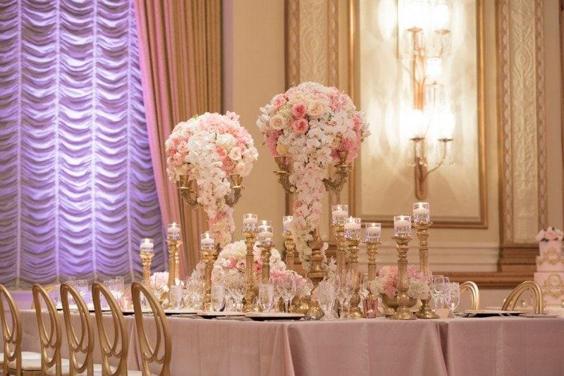 hotel-vancouver-wedding-beautiful-pink-decor