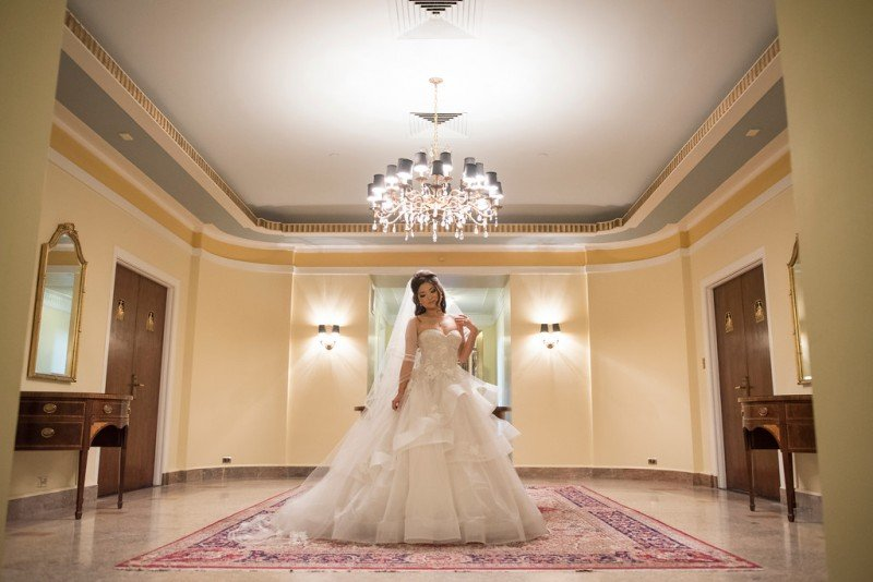 hotel-vancouver-wedding-bride-white-dress