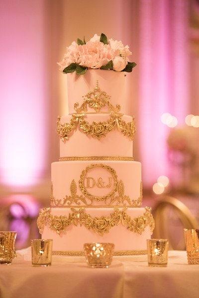 hotel-vancouver-wedding-monogram-cake