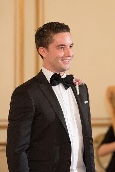 hotel-vancouver-wedding-planning-groom-first-look