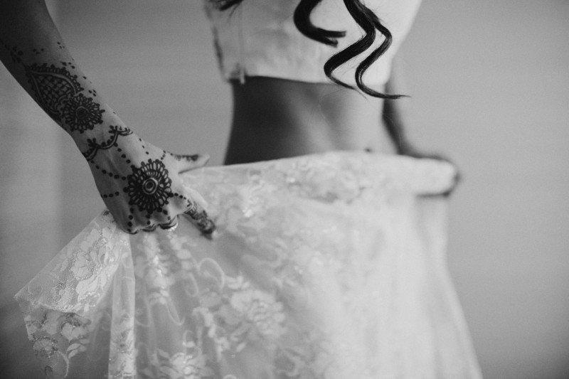 Sari tying