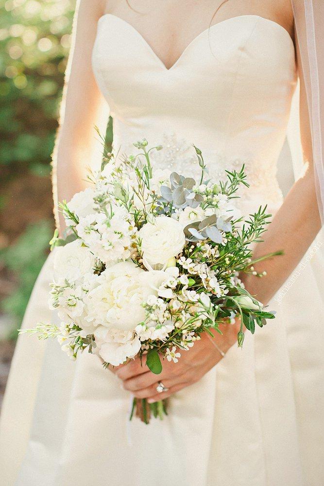 StudioJeanie_VancouverWeddingPhotographer_LindsayAndrew_AliciaKeatsEvents_GrouseMountain_Weddings_0550