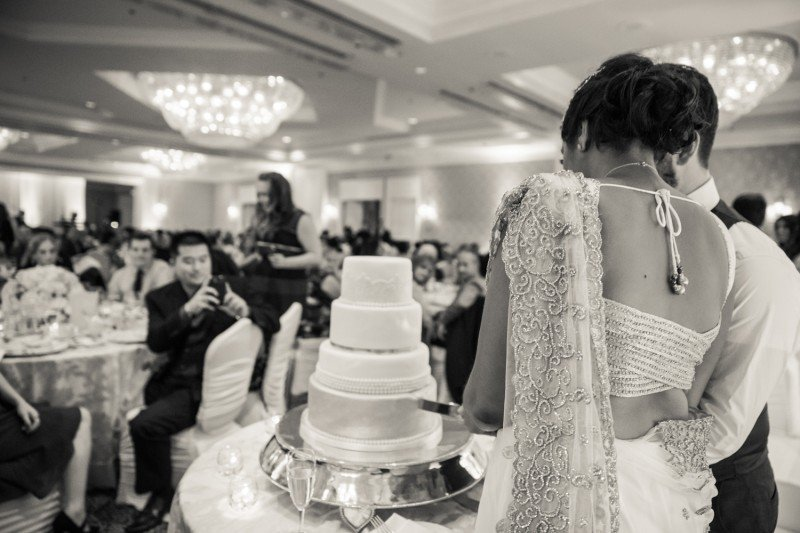 sutton-place-vancouver-wedding-cake-cutting