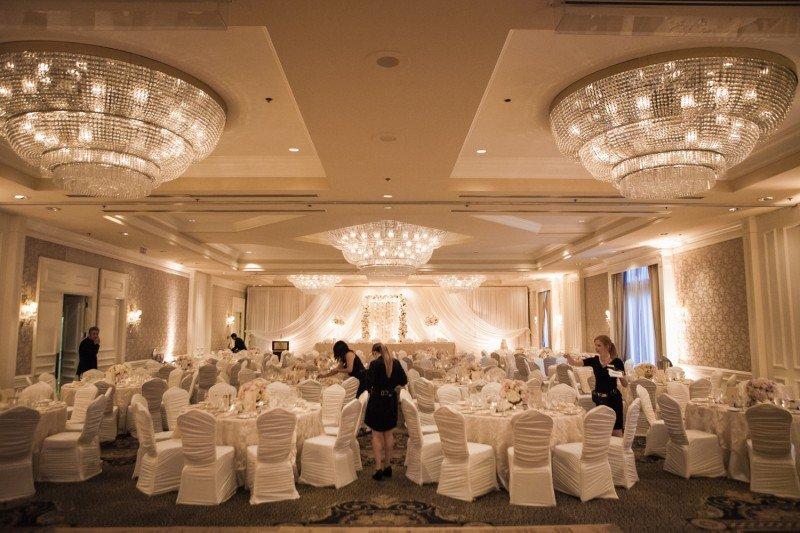 sutton-place-vancouver-wedding-decor-set-up