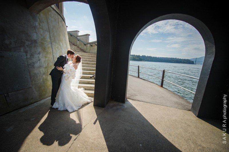 vancouver-stanley-park-wedding-artistic
