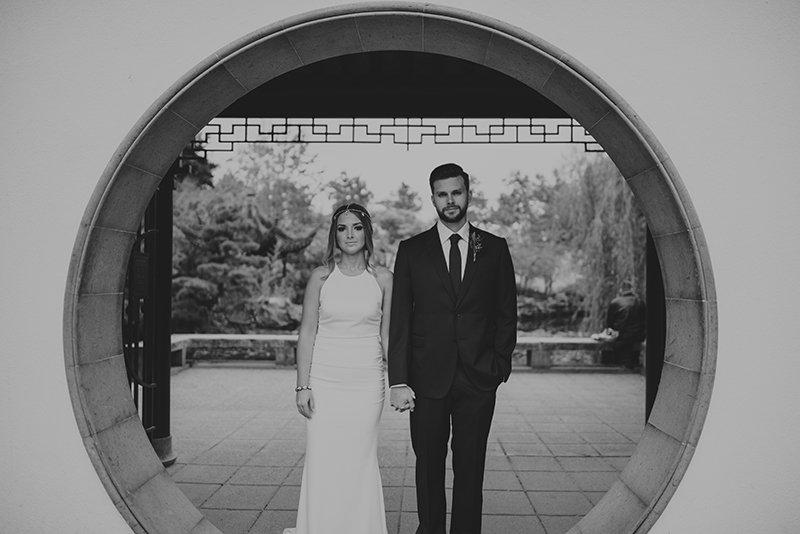 vancouver-wedding-chinese-garden-couple
