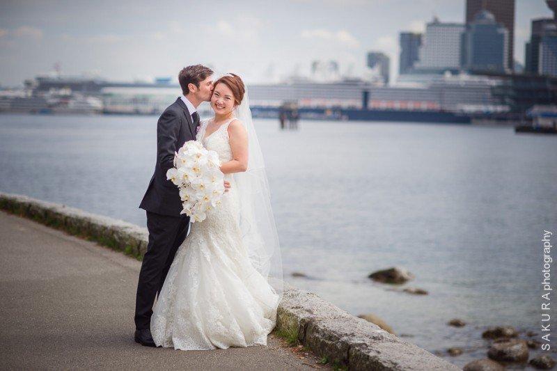 vancouver-wedding-stanley-park-seawall