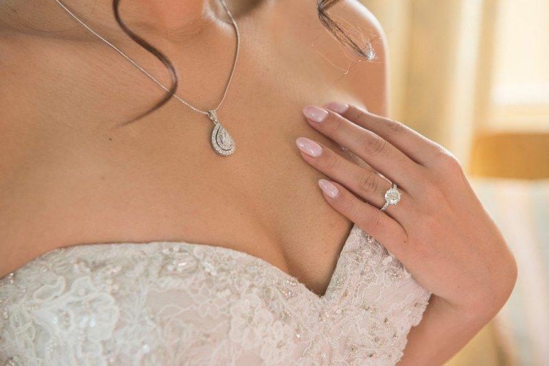 vancouver-wedding-planner-bride-jewellery-nails