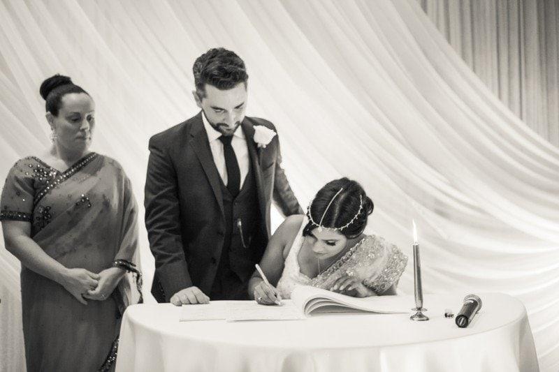 vancouver-wedding-registry-signing