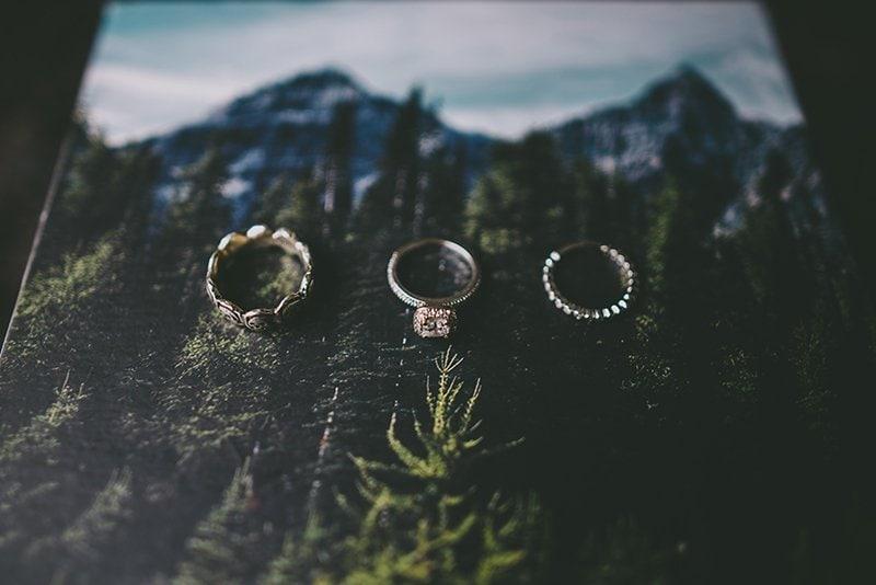 vancouver-wedding-rings-bride-groom