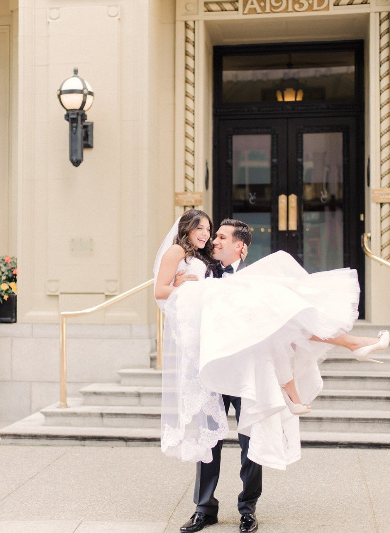bride and groom vancouver