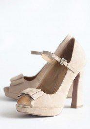 cream wedding shoe