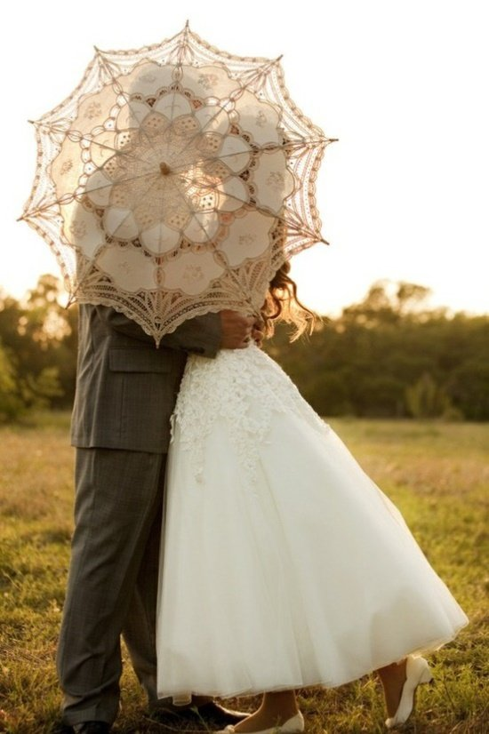 engagment wedding Alicia Keats Weddings and Events Parasol