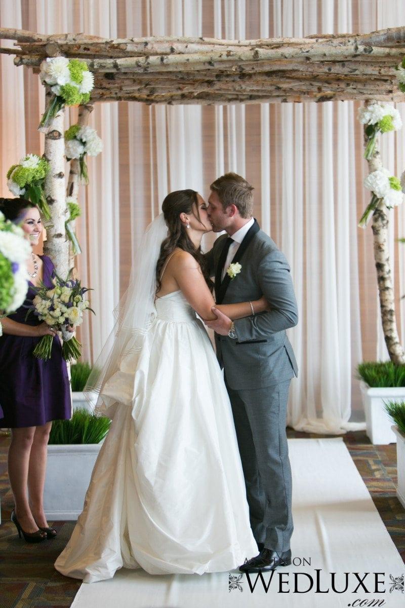 wedding kiss Alicia Keats Weddings