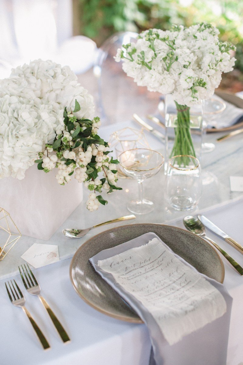 winter wedding table setting
